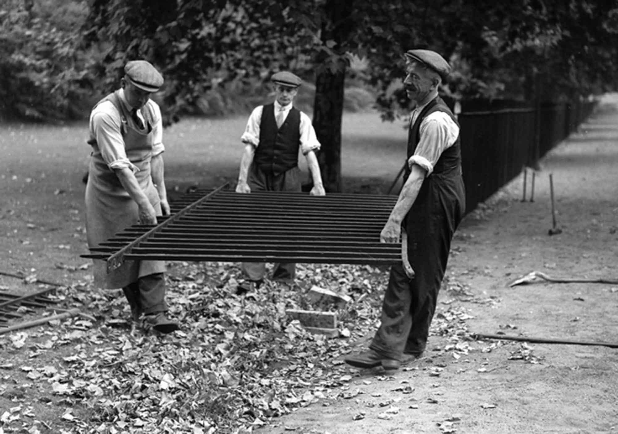 6 (Workmen railings)